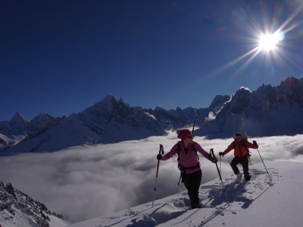 Chamonix sous la mer de nuage : jour idéal pour prendre de l'altitude.jpg
