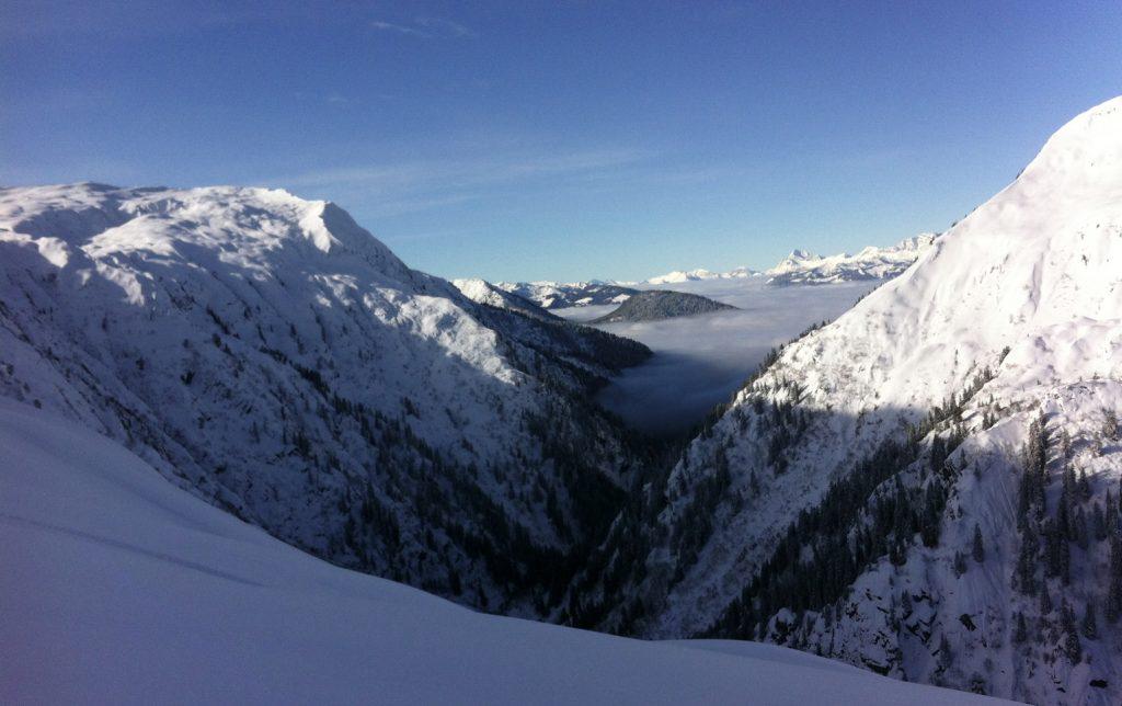 Plongée dans une belle neige froide en face nord du Brévent