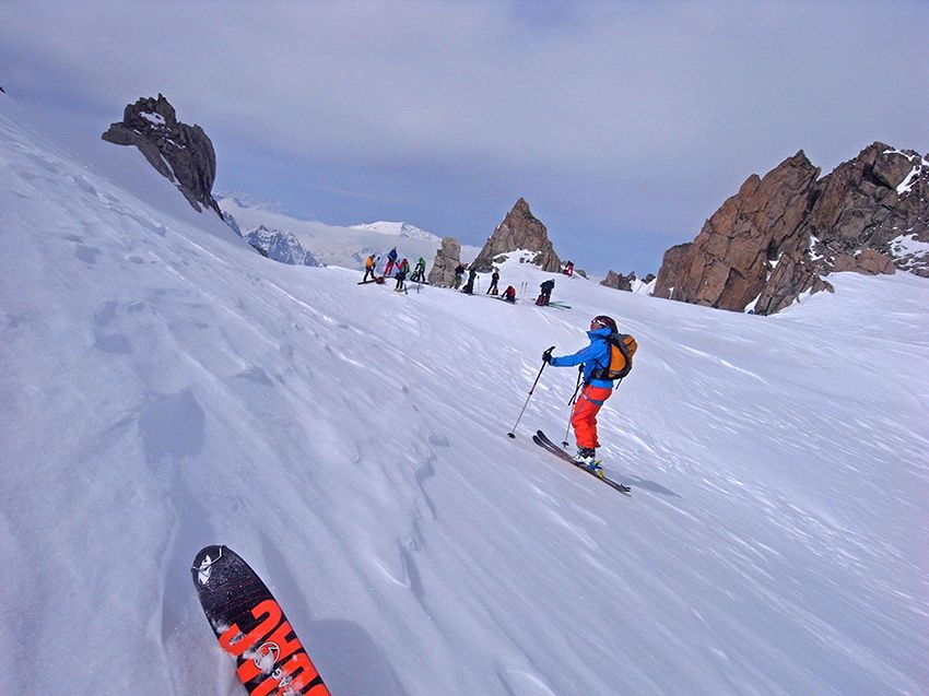Dépeautage au col du Pissoir – Au fond le Mt Blanc des Dames notre célèbre Buet